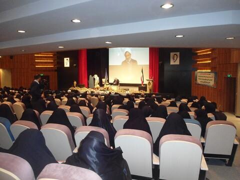 تصاویر/ نشست طلاب و اساتید مدارس علمیه خواهران سمنان با مدیر حوزه های علمیه خواهران کشور