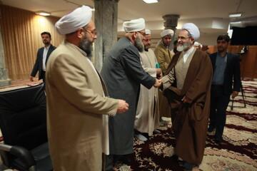 تصاویر/ دیدار جمعی از شخصیتهای  اهل سنت استان گلستان با آیت الله اعرافی