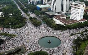 Hundreds of Indonesian Muslims attend Jakarta 212 rally