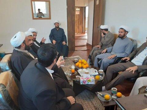 نشست معاونان آموزش و پژوهش حوزه علمیه کردستان با طلاب بیجاری