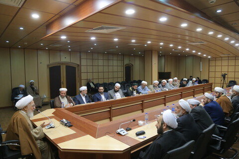 تصاویر / دیدار جمعی از علمای اهل سنت استان گلستان و گیلان با آیت الله العظمی جوادی آملی
