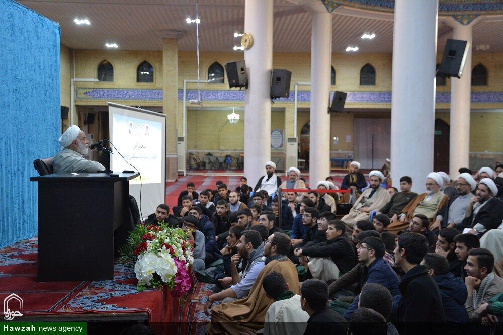 تصاویر/ همایش نقش روحانیون در ترویج نماز در ارومیه با حضور استاد قرائتی