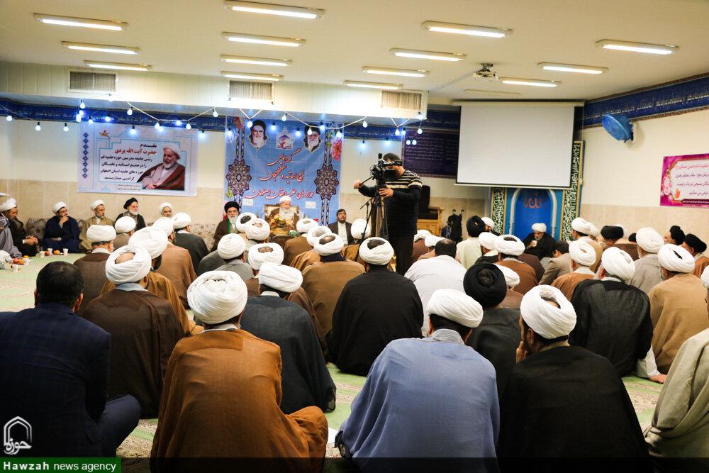 تصاویر/ گردهمایی بسیج اساتید و نخبگان حوزه علمیه اصفهان با حضور آیت الله یزدی