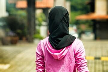 دختر پاکستانی اسلام را پس از سفر به غرب پیدا کرد