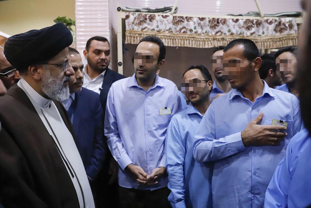 رئیسی سرزده به زندان مرکزی اصفهان رفت+ عکس