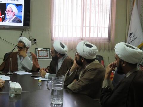 تصاویر/ نشست اعضای قرارگاه سایبری حوزه علمیه سمنان با معاون تبلیغ حوزههای علمیه کشور
