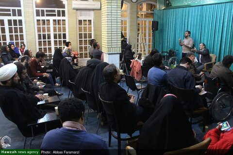 بالصور/ الاجتماع الأول الخاص بالأخلاق والإعاقة بقم المقدسة
