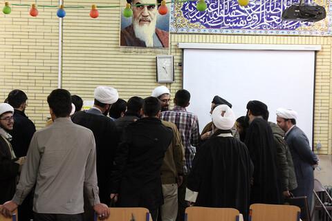 تصاویر / برگزاری جلسه پرسش و پاسخ طلاب همدانی با نماینده ولی فقیه در استان همدان