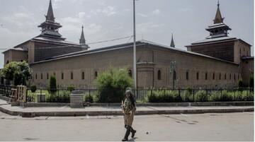 بزرگترین مسجد کشمیر همچنان تعطیل است