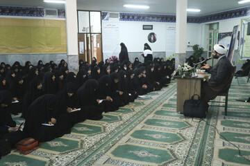 تصاویر/ کارگاه سواد رسانه در مدرسه علمیه نرجس بیرجند