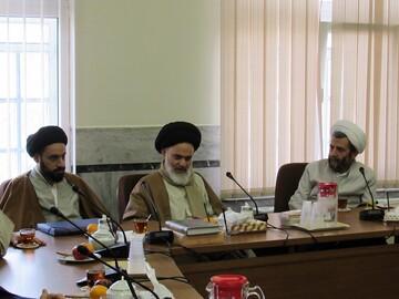 حضور آیت الله حسینی بوشهری در محل کار پس از طی یک دوره نقاهت