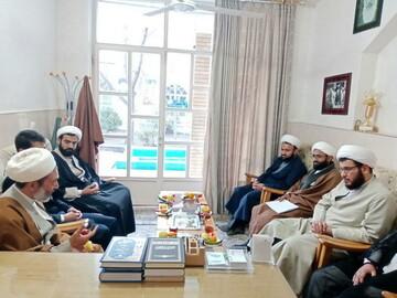 تصاویر/ حضور مسئول دفتر سیاسی و اجتماعی حوزههای علمیه در مدرسه صاحب الامر(عج) آشتیان