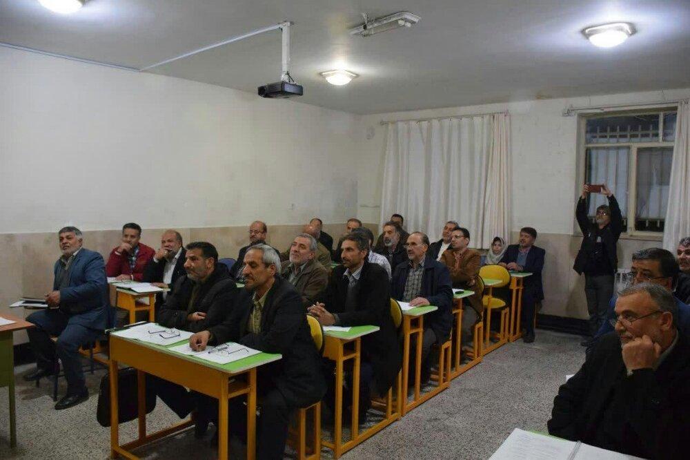 ۲۸۰ خادمیار شاهرودی دورههای آموزشی زبان عربی را سپری کردند