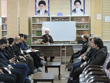تصاویر / نشست تربیت مربی فلسفه برای کودکان و نوجوانان در مدرسه علمیه ولیعصر(عج) تبریز