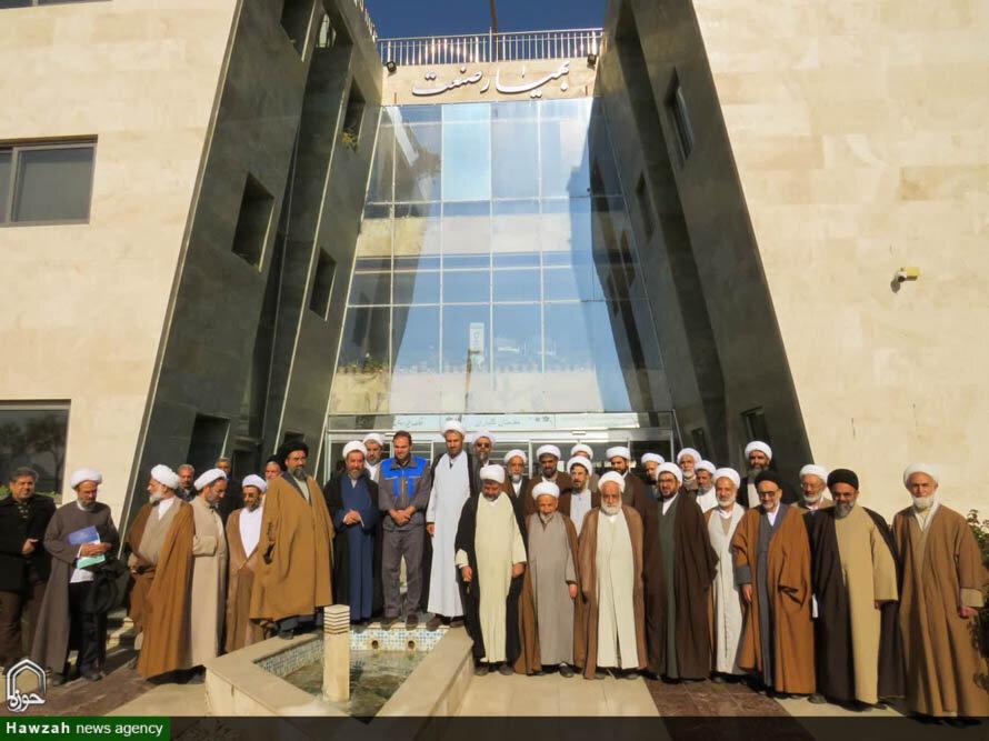 تصاویر/ بازدید اساتید بسیجی حوزه اصفهان از یک شرکت دانش بنیان