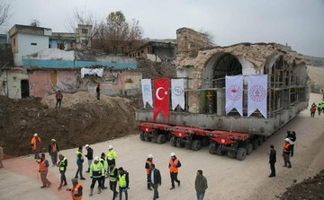 مسجد تاریخی ترکیه برای محافظت در مقابل سیل منتقل شد