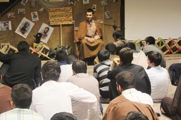 تصاویر/ کارگاه آموزش «منبر» در مدرسه امام صادق (ع) قروه