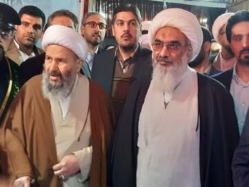 تجلیل مدیر مدرسه علمیه امام خمینی(ره) کاشان از آیت الله نمازی