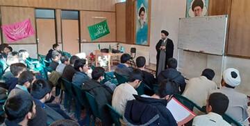 """کارگاه آموزشی """"وهابیت شناسی"""" در مدرسه علمیه آشخانه برگزار شد"""