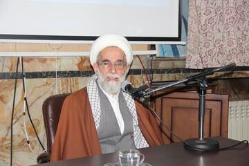 دشمنان بدانند آرزوی ضربه زدن به نظام اسلامی را به گور میبرند