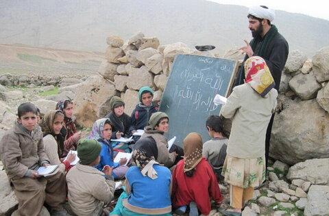 تقرير مصور عن خدمات طلاب علوم الدينية والعلماء في مختلف أرجاء إيران