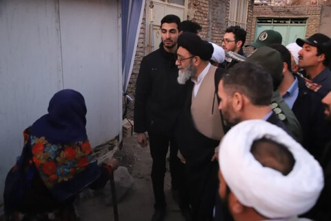 پیگیری وضعیت اسکان زلزله زدگان میانه توسط نماینده ولی فقیه در استان آذربایجان شرقی