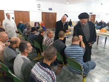 امام جمعهای که شب یلدا را در خانه سالمندان گذراند+ عکس