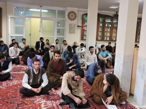 نشست صمیمی امام جمعه تبریز با طلاب مدرسه علمیه ولیعصر(عج) تبریز