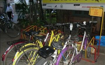 حیدرآباد: اهدای دوچرخه به کودکان برای شرکت در نماز صبح