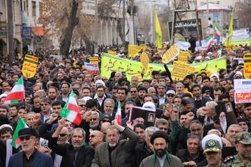 حضور مردم انقلابی کرمانشاه در روز بصیرت