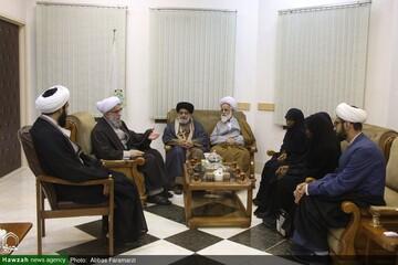 بالصور/ عائلة الشيخ الزكزاكي تلتقي بالأمين العام للمجمع العالمي لأهل البيت (ع)