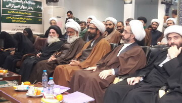 اسایتد حوزه تهران خواستار آزادی و درمان فوری شیخ زکزاکی شدند