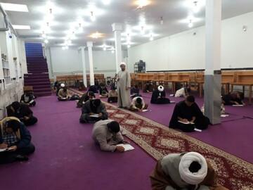 تصاویر/ امتحانات پایان ترم طلاب مدرسه علمیه امام صادق(ع) بیجار