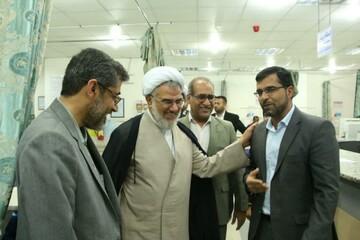 تصاویر/ بازدید نماینده ولی فقیه در هرمزگان از بیمارستان شهید محمدی به مناسبت روز پرستار