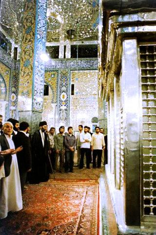 تصاویری از تشرف حضرت آیتالله خامنهای به حرم حضرت زینب (سلاماللهعلیها)