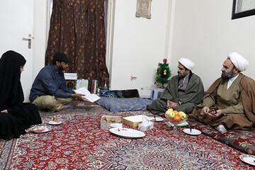 دیدار مدیرکل مرکز خدمات حوزه علمیه قم با طلبه غیر ایرانی