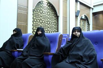 تصاویر/ بزرگداشت دهه بصیرت در حوزه علمیه خواهران