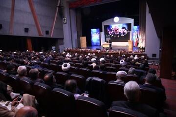 پنجمین اجلاس فعالان مردمی جهاد و شهادت به کار خود پایان داد/ رونمایی از کتاب «جهاد از منظر امام خامنهای»