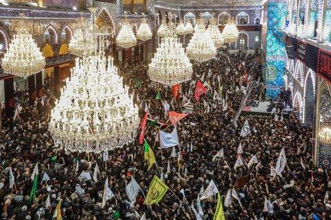 حضور میلیونی مردم کربلا در تشییع پیکر سردار سلیمانی و المهندس در حرم امام حسین(ع)