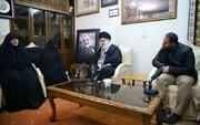زيارة الإمام الخامنئي لمنزل الشهيد الحاج قاسم سليماني