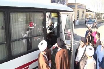 طلاب اصفهانی برای وداع با سردار قلب ها خود را به تهران می رسانند