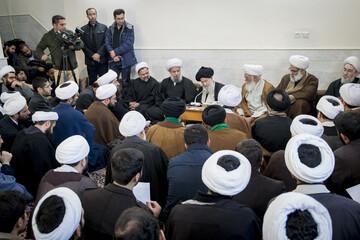 تصاویر/ اجتماع حزب الله قم در بیت حضرت آیت الله علوی گرگانی