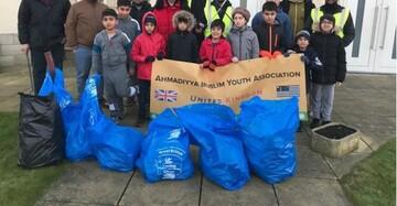 داوطلبان جوان مسجد هارتل پول بریتانیا سال نو را با پاکیزگی آغاز کردند