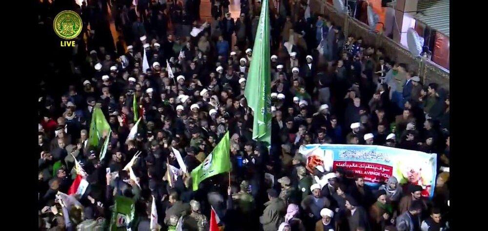 استقبال روحانیون نجف از سردار شهید سلیمانی و همرزمانش و اقامه نماز میت