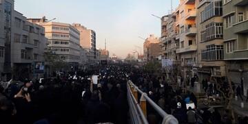 فیلم| تصویر هوایی از سیل خروشان مردم تهران