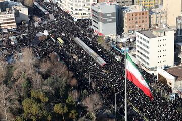 دریای اشک در پایتخت جاری شد/ انقلاب تا آزادی در قُرق سربازان سردار دل ها/ انتقام سخت در راه است