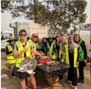 بانوان مسلمان برای آتشنشانان استرالیایی آشپزی کردند