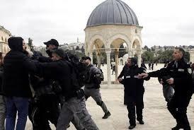 Israel forces arrests 5 Palestinians at Al-Aqsa Mosque