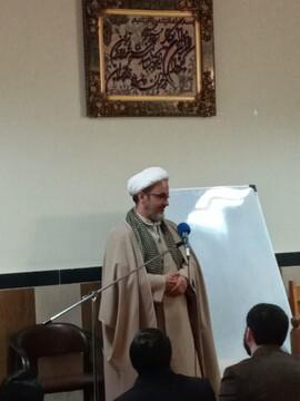 کارگاه آموزشی شیوه های نوین دعوت به نماز در اهر برگزار شد