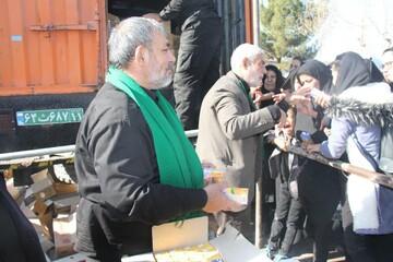 تصاویر/ ایستگاه صلواتی آستان مقدس هلال بن علی (ع)آران و بیدگل در مسیر تشییع سردار سلیمانی در کرمان